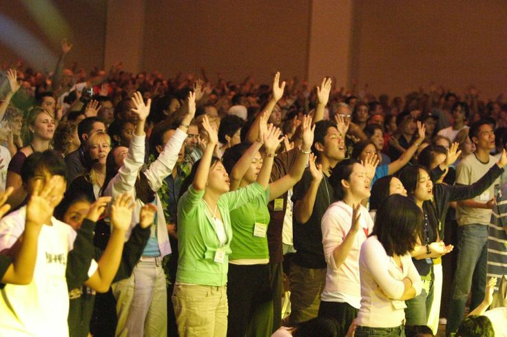 Estudo revela que jovens de hoje são menos religiosos e mais liberais