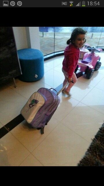 Woddlers overnight wheely bag 2014