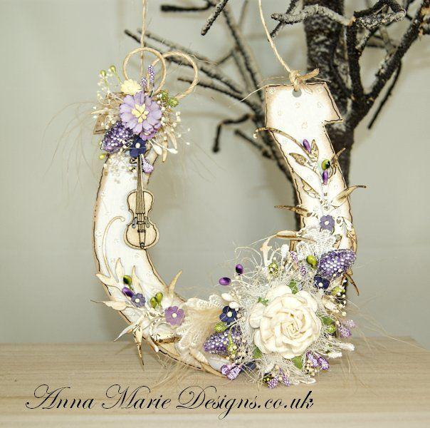 Wooden Horse Shoe Plaque