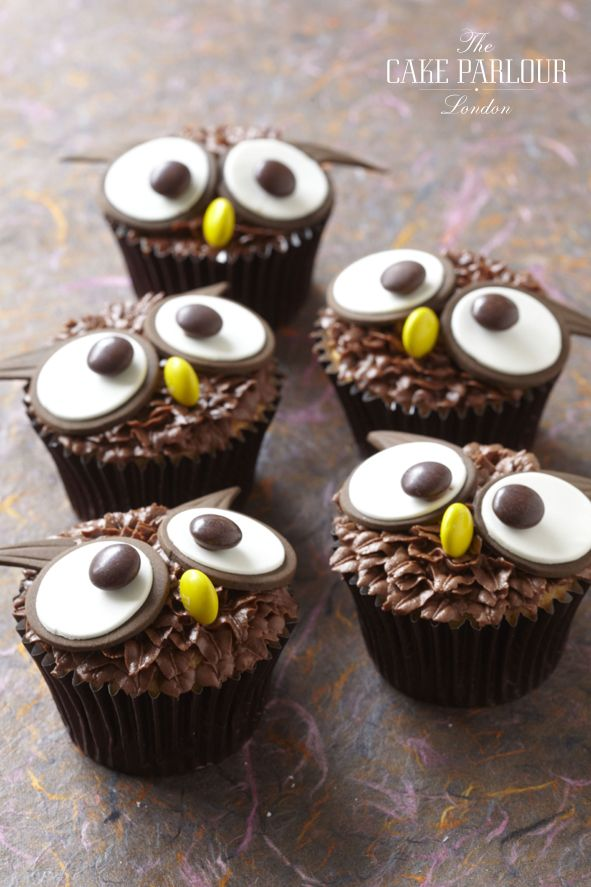 Cupcake Decorating Ideas Hockey : 25+ best ideas about Owl cupcakes on Pinterest Easy owl ...