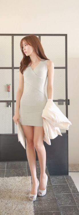 L&H: tight dresses