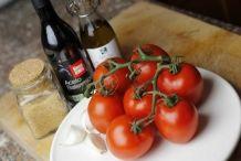 Ingrediënten gemarineerde tomaten