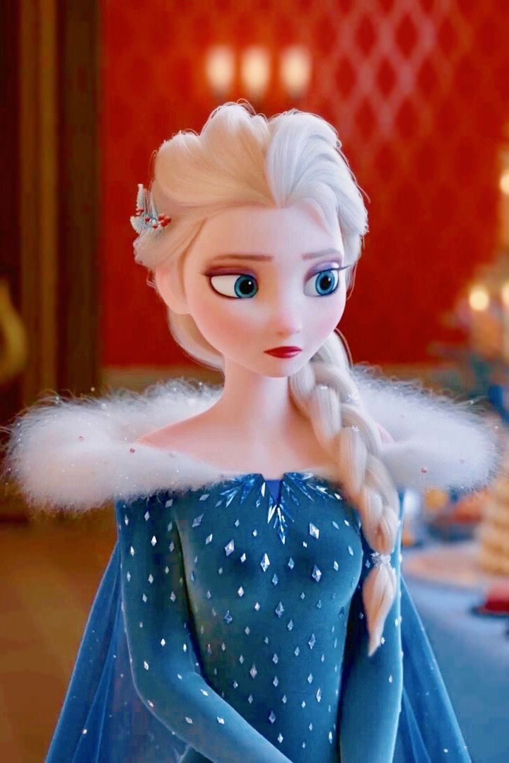 Elsa's new dress. - I like it a lot more than the original actually