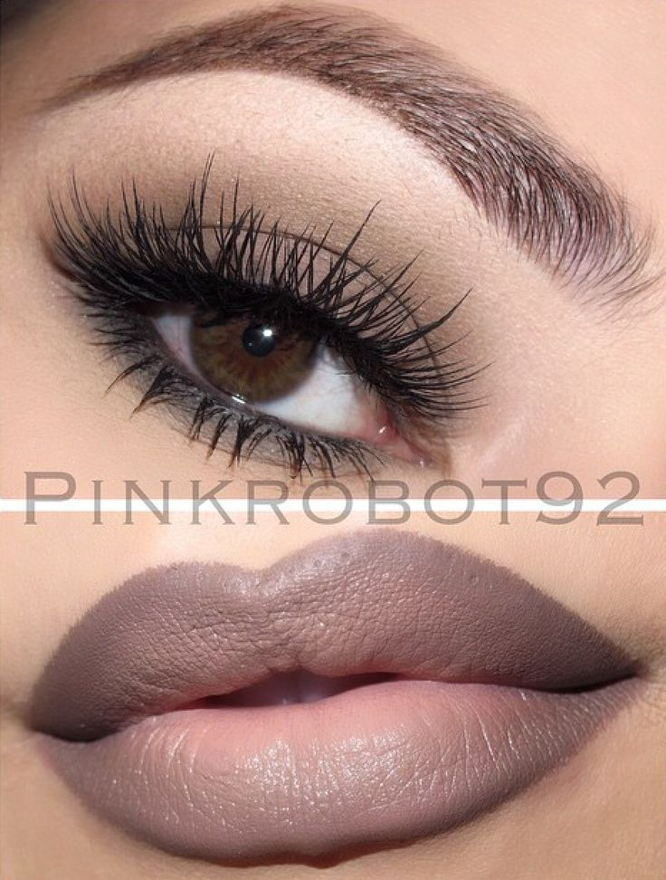 Light smokey eyes   ombre lips   cool-chill look