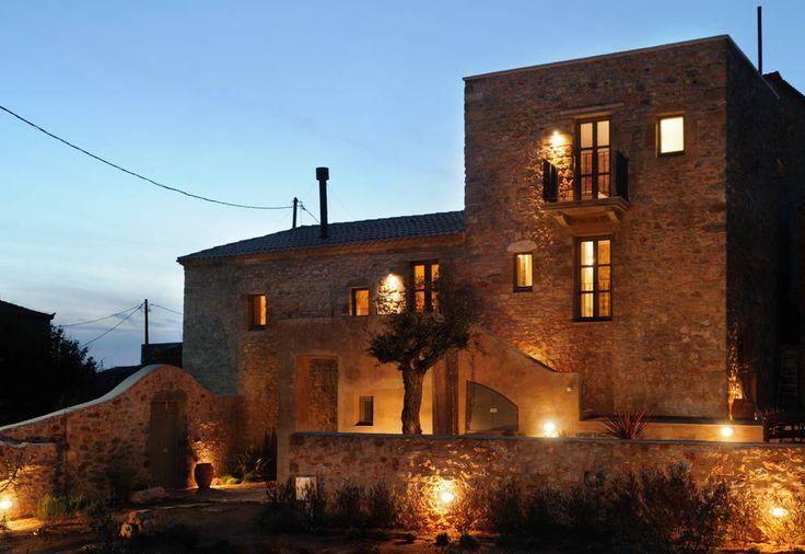 Eleanthi Residence at dusk