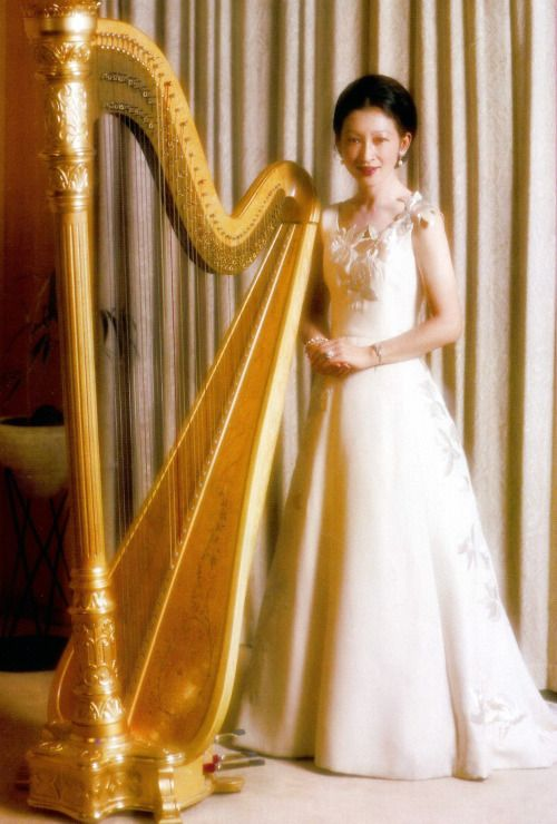 misshonoriaglossop: Empress Michiko (皇后美智子, Kōgō Michiko), née Michiko Shōda (正田美智子, Shōda Michiko, born 20 October 1934)