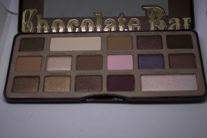 Such lovely chocolate shades in the aptly named Too Faced Chocolate Bar eyeshadow palette.