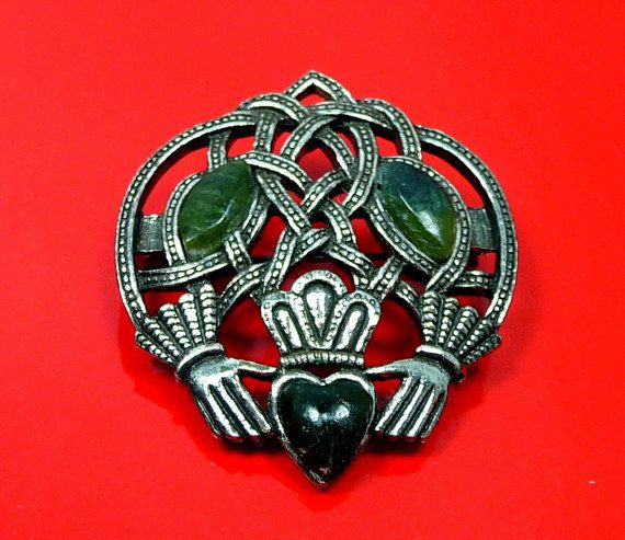 Check out my latest Whim!  Description & Style:  #Vintage SOLO'OR Claddagh Brooch, Irish Friendship-Love-Loyalty Symbol with hands and heart around the Celtic knot offered by KeschyPoosWhims.  The bro... #vintage #jewelry #giftsforher #keschypooswhims #teamlove #loyalty ➡️ http://jto.li/JsV3B