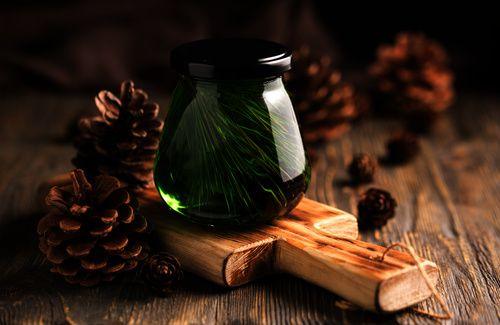 Olio essenziale di cedro contro le tarme