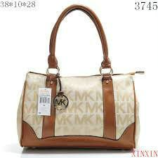 Michael kor purse It isnt the real thing I dont believe but its brand new with wrapping KORS Michael Kors Bags