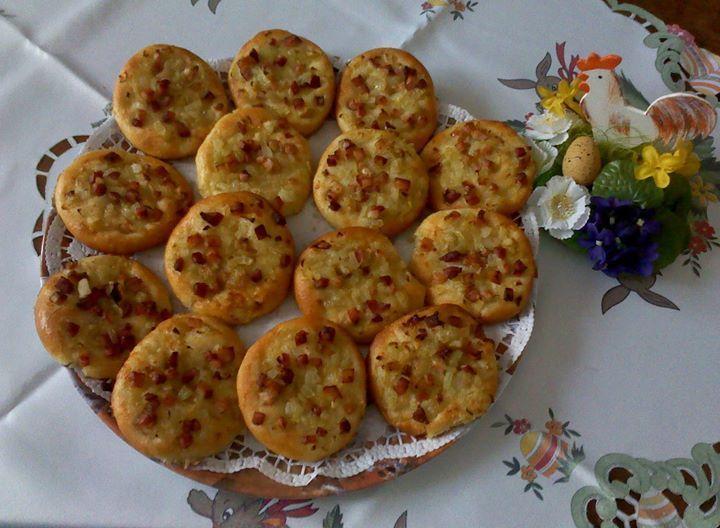 Slaninovo-cibuľové koláčiky