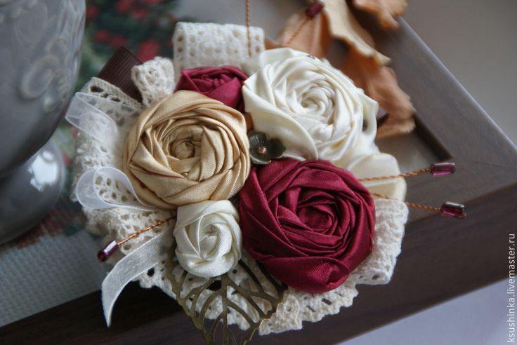 """Брошь из ткани """"Вишневый сад"""" - разноцветный,вишневый,гранатовый,кремовый"""