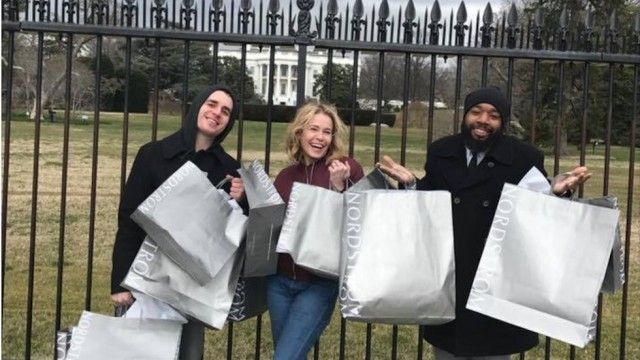 Chelsea Handler trolls Trump with photo of Nordstrom bags outside WH