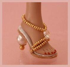 Sandals for fashion dolls: tutorial.