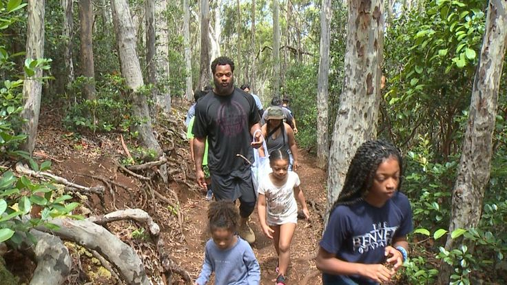 Michael Bennett and Seahawks fans hit the hiking trail to promote exercise and healthy eating. Down, Set, Hike! Two time Pro Bowler, Seattle Defensive End and Honolulu resident Michael Bennett hit the hiking trail, as he and over a hundred Seahawks fans tore up the terrain of the 'Aiea…