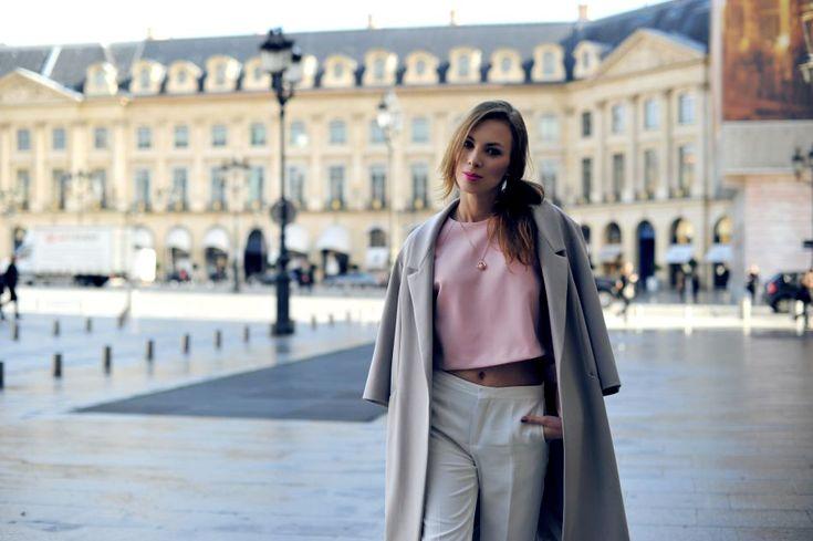 Charlize Mystery podczas paryskiego tygodnia mody postawiła na płaszcz kimono z kolekcji ARYTON na sezon wiosna-lato 2014