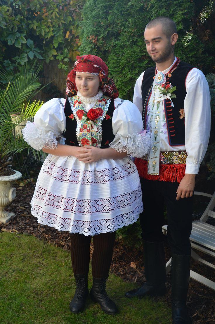 folk costume - Kroj - Jižní Morava - Vracov - mladý pár - Hody