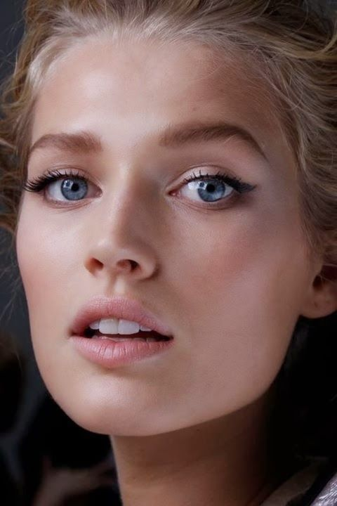 Parisienne - effortless, chic makeup.