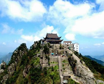 mountain top buddhist dating site Someone you can love is nearby browse profiles & photos of buddhist single men in stony mountain, mb join matchcom, the leader in online dating with more dates, more relationships and more marriages than any other dating site.