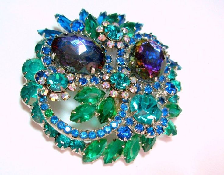 VT STUNNING JULIANA BLUE-GREEN PURPLE RHINESTONE HELIOTROPE book pc BIG BROOCH