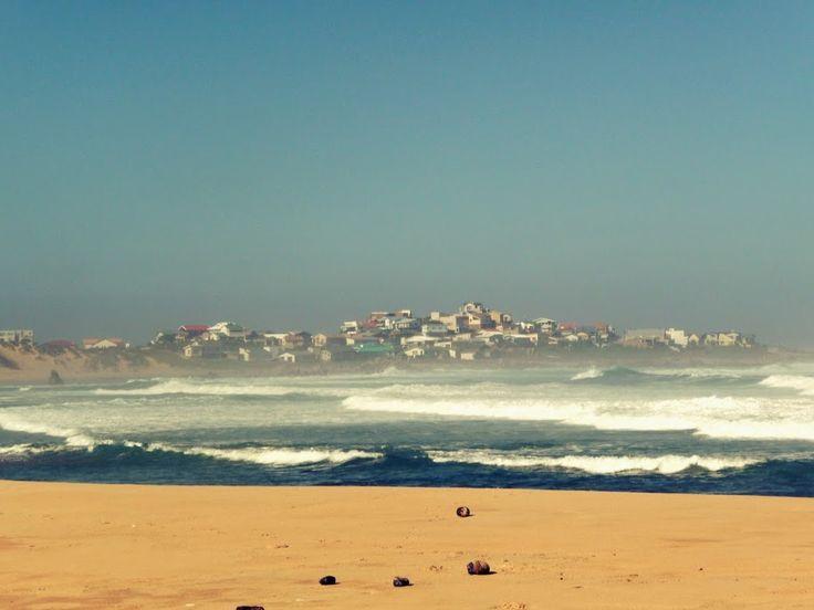 Buffelsbaai is een dorp in de regio West-Kaap in Zuid-Afrika. De plaats is gelegen in het Eden-district. Het dorp ligt aan de kust. Vroeger kwamen hier honderden buffels voor, de laatste is in 1883 geschoten. 2010