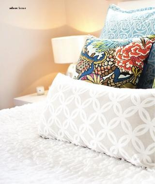 White bedding with colorful pillows// love that pillow to bring in kitchen colors with & 13 best White bedding colorful pillows images on Pinterest ... pillowsntoast.com