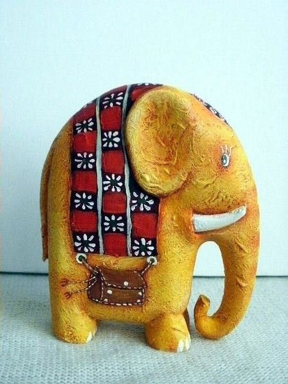 Wood elefant by Vitalij Koriakin