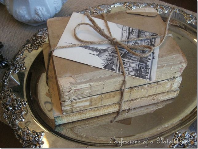 love this ideaVintage Books, Book Bundle, Ideas, Book Decor, Plates Addict, Antiques Book, Shabby Chic, Silver Trays, Old Books