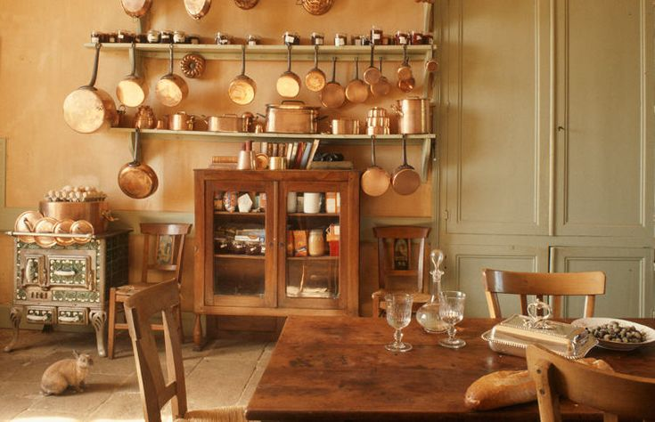 wood +  copper...: Hanging Pot, Copper Pan, Barns Kitchens, Copper Pot, Pan Idea, Hanging Pan, Copper Kitchens, Farms Styles Kitchens, French Country Kitchens