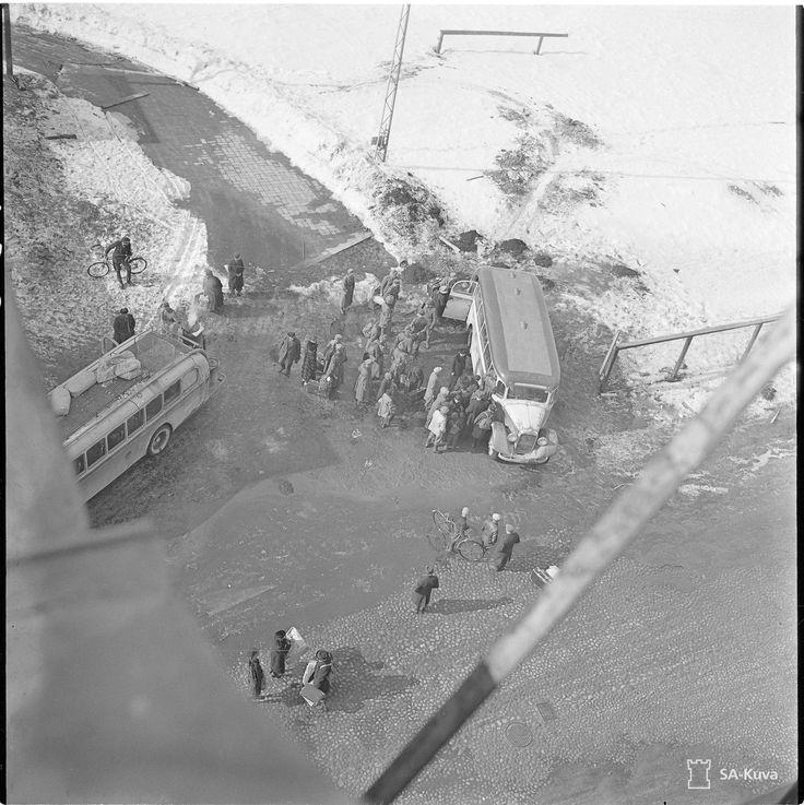 civilians leaving Vyborg