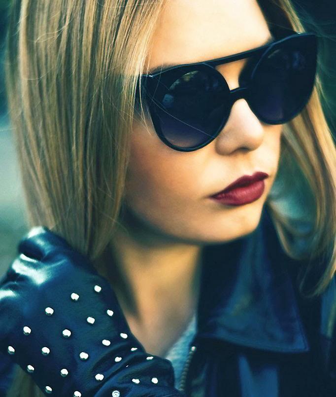 Le bordeaux est au coeur des tendances actuelles. Pour savoir comment le porter et ajouter une touche chic et sensuelle à n'importe quel look, inspirez-vous de 5 conseils.