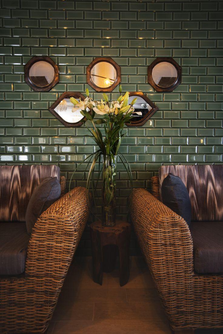 FERGUS Club Europa. Wicker Design. Bar