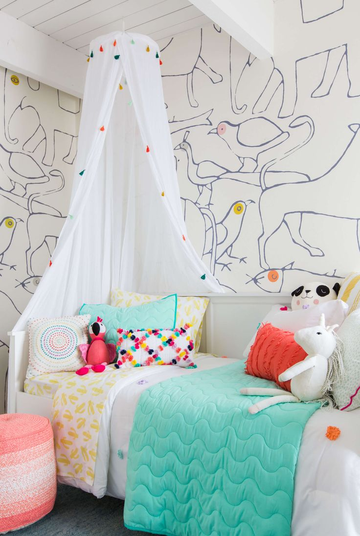 emily-henderson_kids-room_target_bedding_layered_light_texture_blue_white_brass_nursery_girls-room_bright_10