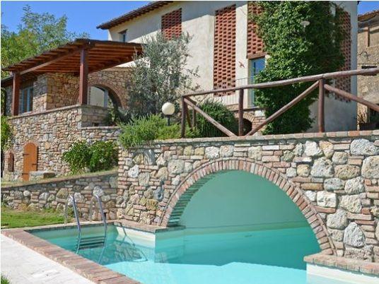 Vrijstaand vakantiehuis met privé zwembad in de heuvels van Toscane