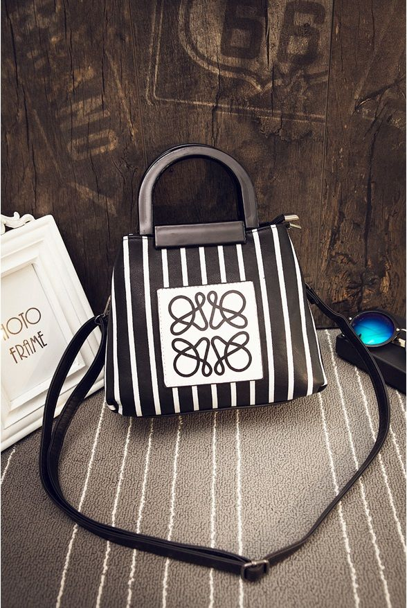 Material:     PU Leather Height: 20cm Length: 22cm Depth: 12cm Bag Mouth: Zipper Long Strap: Yes sms/wa/line 085855741030