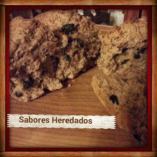 Pan de aceitunas negras y merken / black olive and Merken   bread