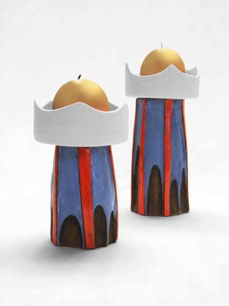 ... zweieiiger Zwillingstürme nach dem Vorbild des Hundertwasser-Turms in Abensberg im Rahmen der Aktion KunstRaub Nr.5.  Die ungleichen Brüder sin...