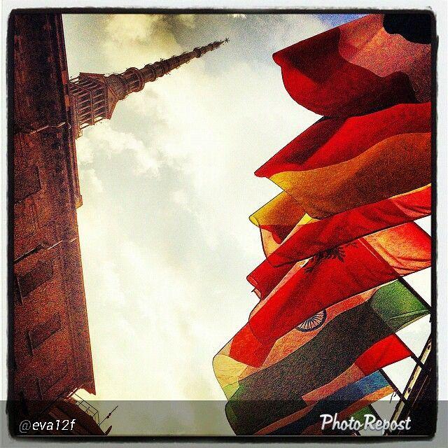 #Torino raccontata dai cittadini per #InTO Foto di @eva12f #torino #turin #viaverdi #mole #moleantonelliana #prospettivamole #flags #prixitalia #sky #today #tuesday #goodmorning #walking #torinodalvivo #torinoècasamia #9settembre
