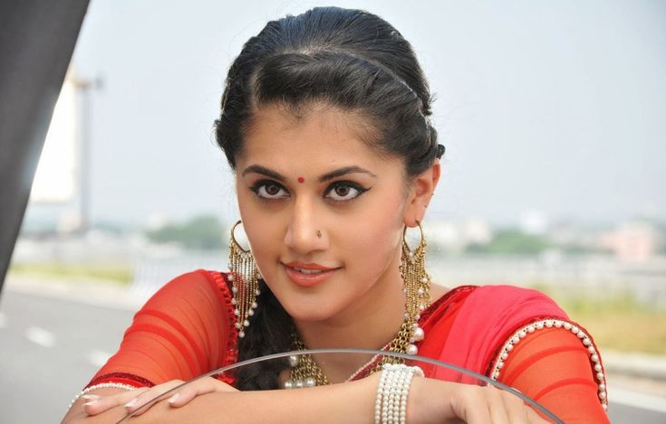 Taapsee in love with badminton player?