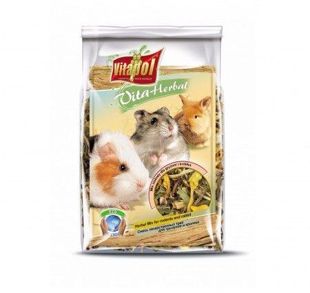 Vitapol VitaHerbal MIX ziołowy dla gryzoni i królika. Mieszanka paszowa uzupełniająca dla gryzoni i królika w postaci ziół bogatych w witaminy, minerały i pektyny. Smakowita przekąska stanowiąca wsparcie codziennej diety, wzmacniająca odporność, poprawiająca kondycję zwierząt, działająca przeciwbakteryjnie i przeciwzapalnie. Dodatkowo, przez wzgląd na obecność ziół usprawniająca procesy trawienne.