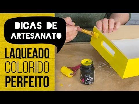 Iára Capraro ensina como fazer uma pintura laqueada perfeita com a Tinta Laca Colorida Daiara, sem necessidade de verniz. Aprenda os macetinhos de como conse...