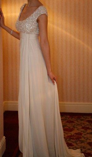 ELIE SAAB BEADED DRESS ... pretty. I want one. a new one.