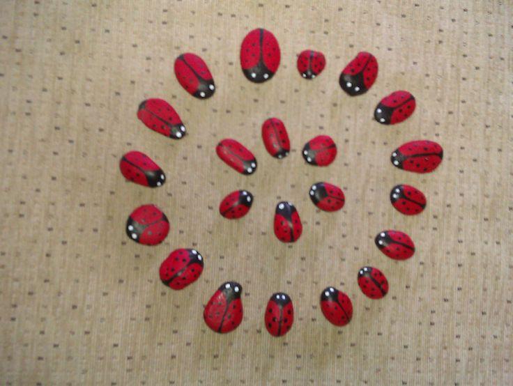 lieveheersbeestjes stenen afscheidscadeau