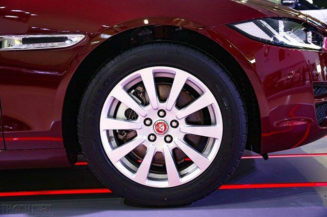 Land Rover Lý Chính Thắng - 091 66 091 55: Jaguar XE 2016, quân bài mới của xe Anh tại VN
