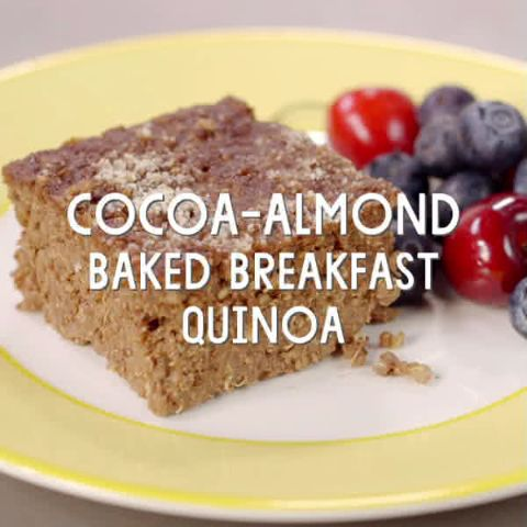 Cocoa-Almond Baked Breakfast Quinoa // Nutrient-packed quinoa, hemp seeds and hemp milk add protein, fiber and essential fatty acids to your morning. Whip up over the weekend, and then enjoy for breakfast during the week.