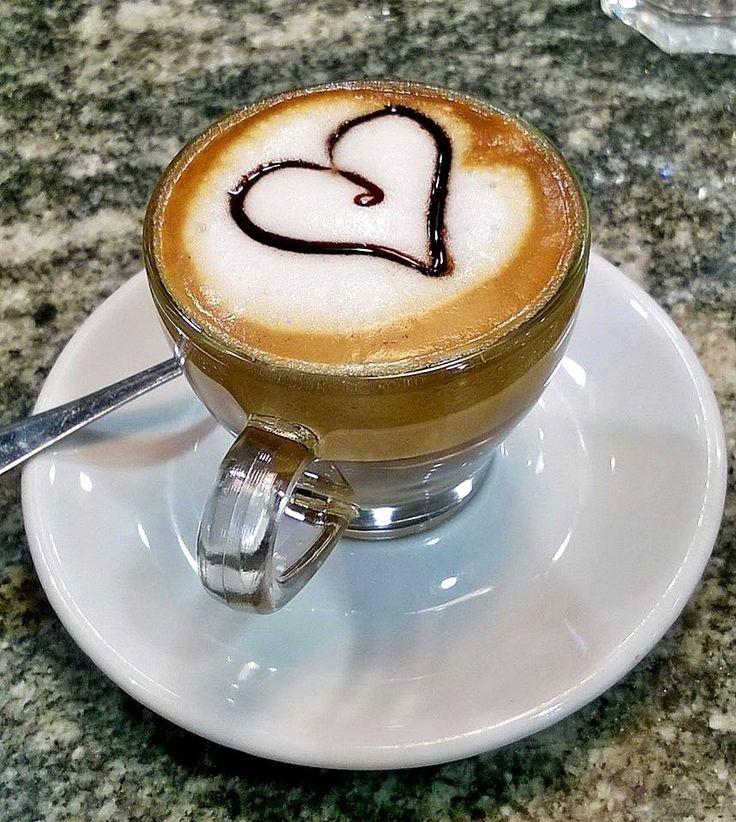 """""""L'unico modo di fare un ottimo lavoro è amare quello che fai!""""   #colazione #pasticceriapamela #modena"""