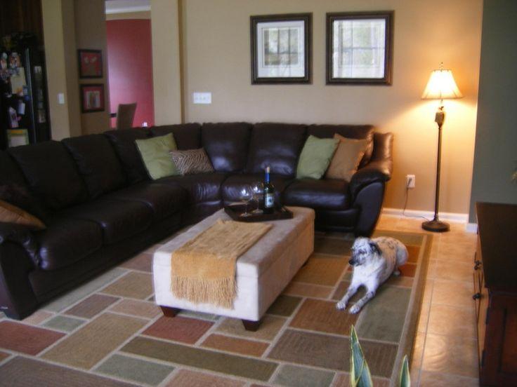 Die besten 25+ Dunkelbraune couch Ideen auf Pinterest braunes - wohnzimmer ideen schwarzes sofa