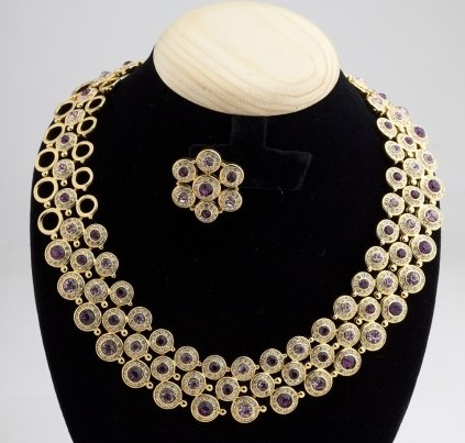 Get this gorgeous jewelry!!!