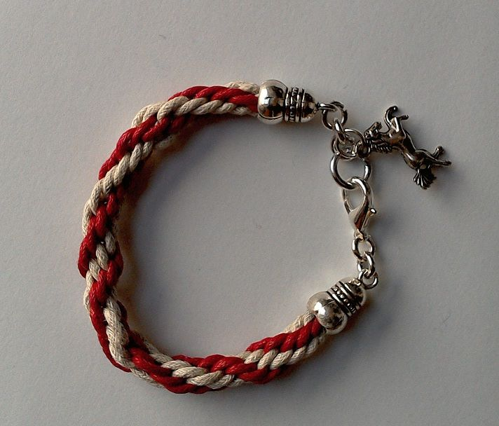 https://latelierdiclara.wordpress.com/2015/01/14/bracciale-49/