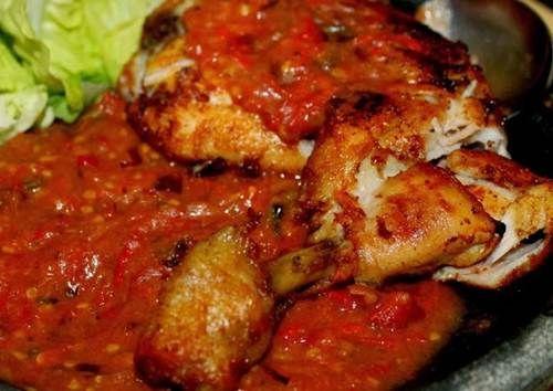 Resep Ayam Penyet Sambal Khas Lamongan - http://m.resepindonesia.net/resep-ayam-penyet-sambal-khas-lamongan/
